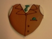 groom-heart-vest
