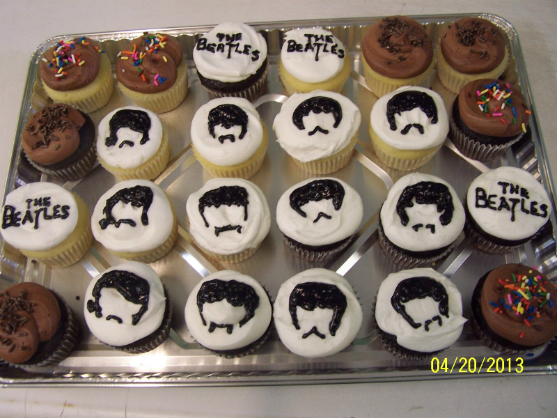 the-beatles cupcakes