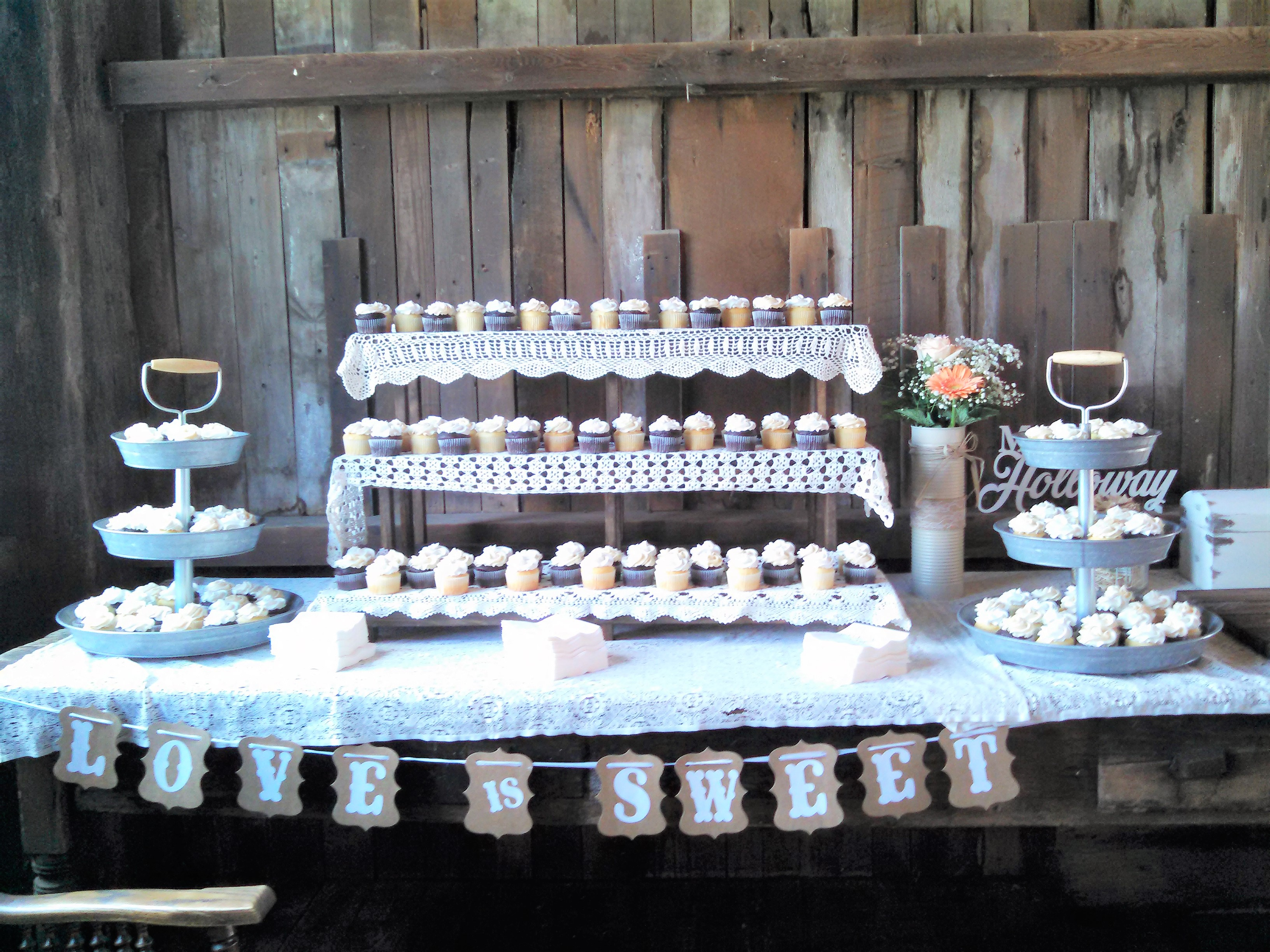 Wedding Cupcake Set up