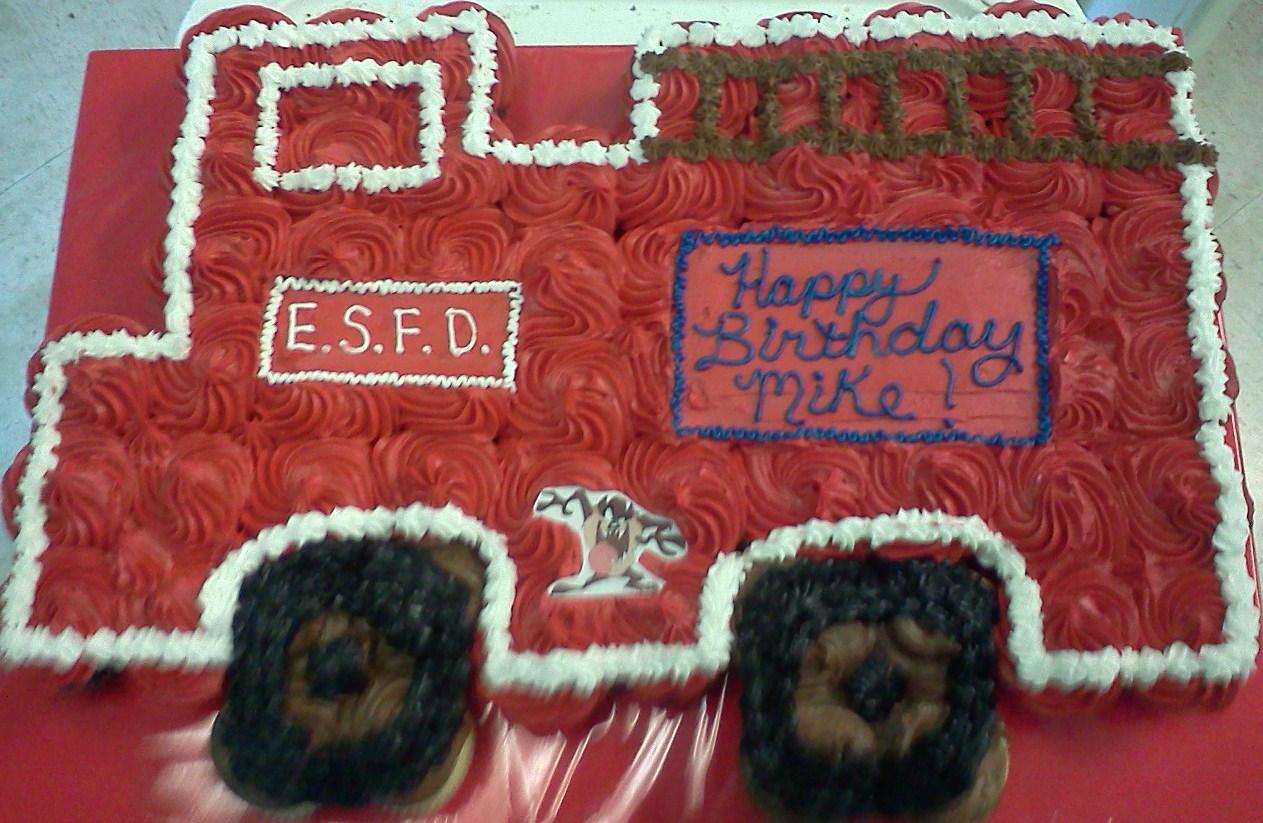 firetruck-tear-apart-cupcake-cake