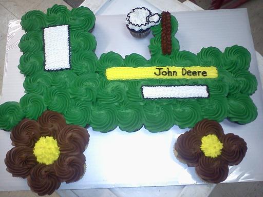 john-deer-tractor-tear-apart-cupcake-cake_0